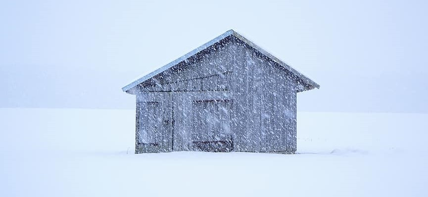 hut-blizzard-snowflakes-flake-snow-log-cabin-scale-wintry-cold-pikist